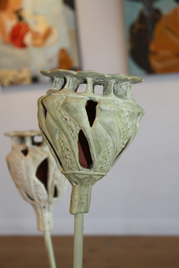 poppy husk (céramique) - exposition Ofrrandes, 2009.