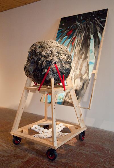 Félicité Accablante (ou, un bonheur auquel on n'est pas habitués), 2010.   229 cm x 173 cm x 107 cm.