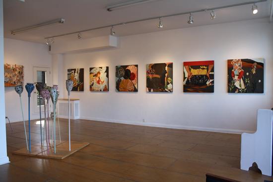 exposition Offrandes, 2009 - installation tableaux à l'huile.  92 cm x 92 cm chacun.